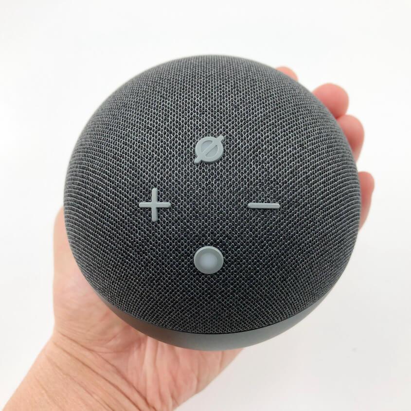 Echo Dot(第4世代):手のひらに収まるサイズ