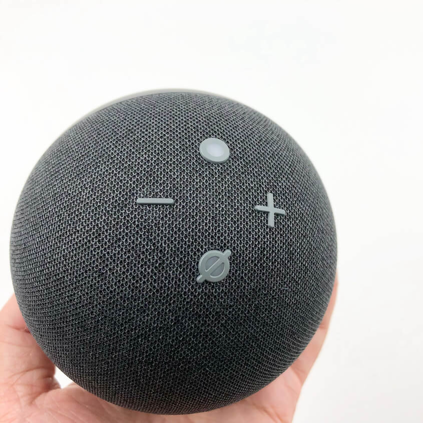 Echo Dot(第4世代):上面に4つのボタン